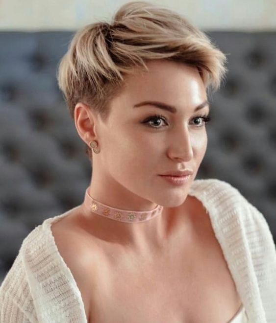 Bonito y sencillo peinados pelo corto liso Galería de tendencias de coloración del cabello - La moda en tu cabello: Peinados de pelo corto femenino 2019