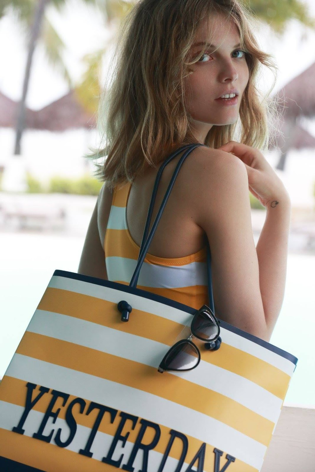 Alberta Ferretti Spring Summer 2018 'Denim & Stripes' Collection