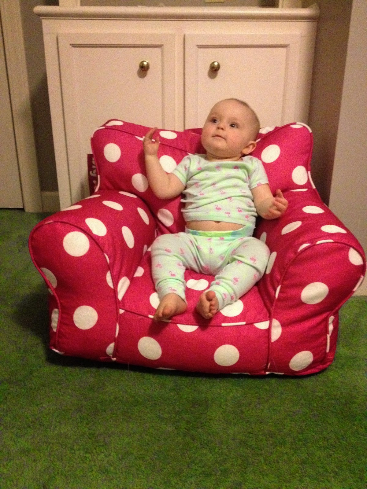 Polka Dotty Place Pbk Knock Off Anywhere Chair