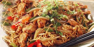 http://masakan-makanan-dan-minuman.blogspot.com/2016/04/belajar-memasak-mie-goreng-ayam-spesial.html
