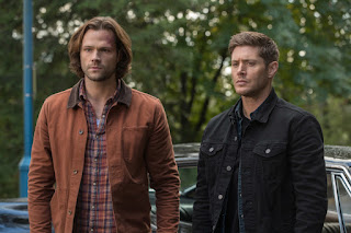 "Jared Padalecki as Sam Winchester, Jensen Ackles as Dean Winchester in Supernatural 13x08 ""The Scorpion and the Frog"""