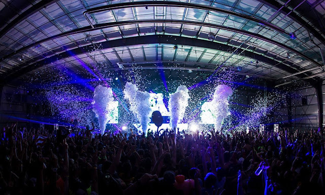 Music Festivals, EDM, EDC, Rave Parties, DJs use Cryogenics theatrical special effects