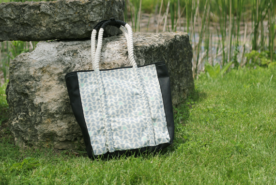 Win a Fair Trade Tote from Bubby & Bean and Hearts.com (worth $98!)