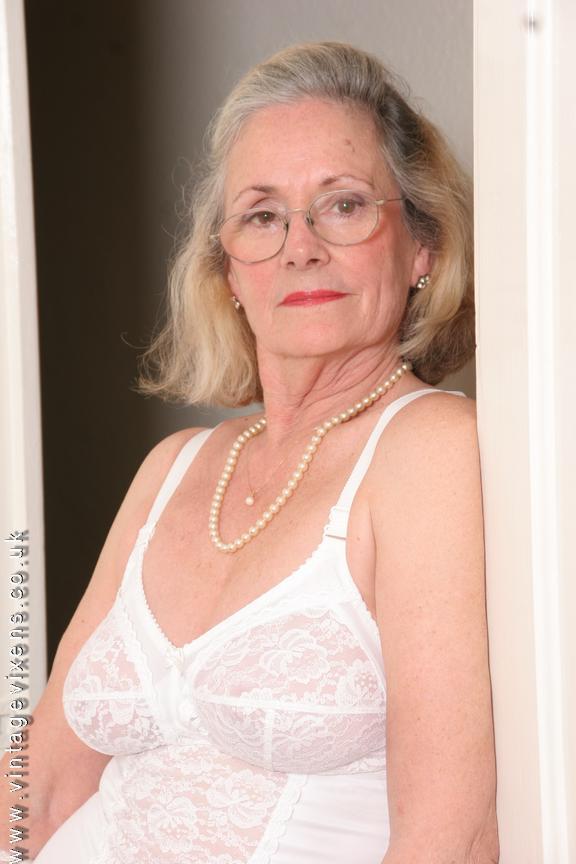 granny nude Vintage vixens