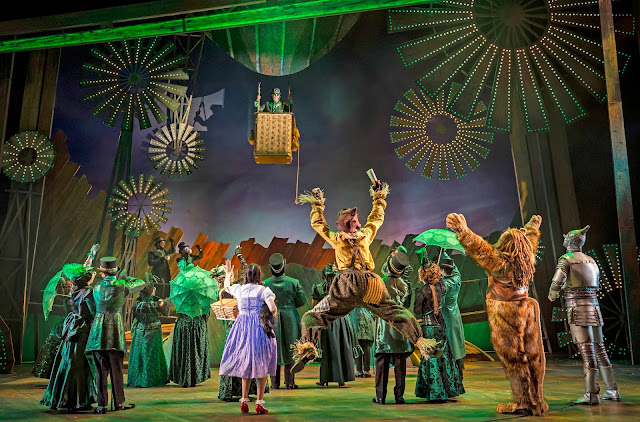 Stunning Emerald City scene. Image credit Liz Lauren courtesy of Paramount Theatre.