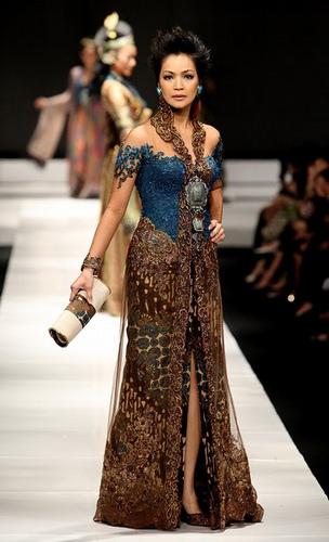 002 Bali Couture