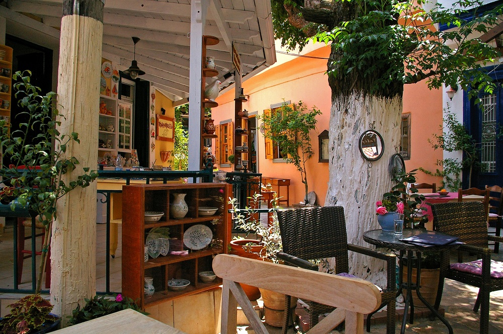 Tips to Find the Best Café House for Conducting Celebrations 2