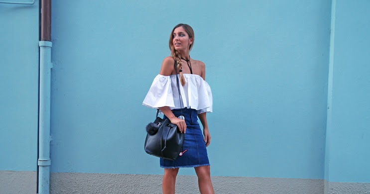 Patch style, pom-pom and off shoulder
