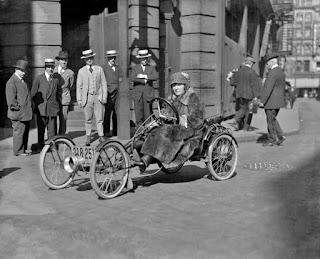 Galeri Foto Mobil Tua Nan Langka Era Awal Mobil Dibuat