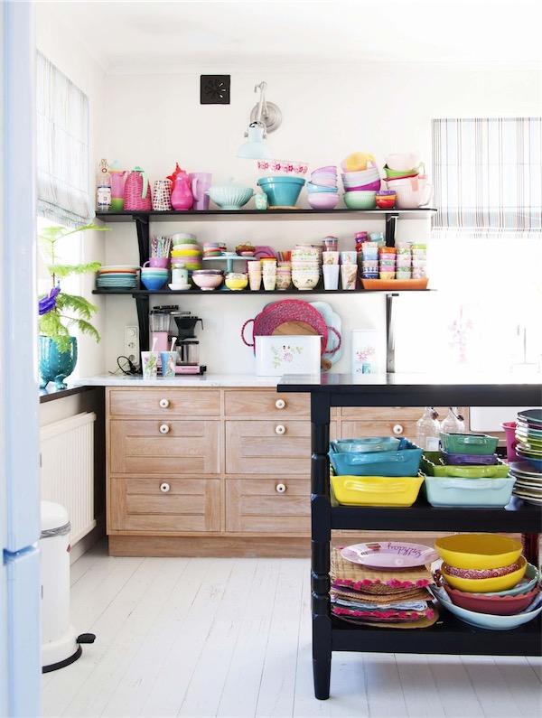 casa con un interior de lo mas colorido chicanddeco