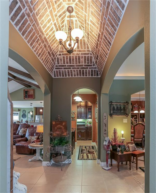 Brick Ceiling-House Hunting-Texas Hill Country House- From My Front Porch To Yours