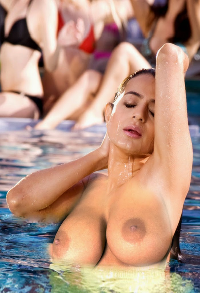 amisha-patel-totally-naked-bikini-girl-on-all-fours-screensaver