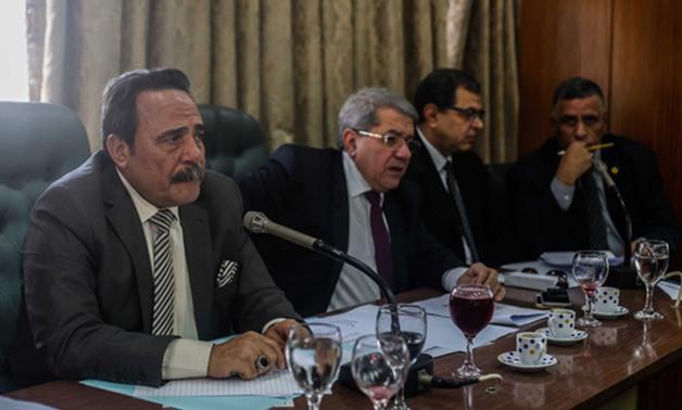 """لجنة القوى العاملة بالبرلمان المصرى ترفض قانون """"منح علاوة غير المخاطبين بالخدمة المدنية"""" كالمعلمين والأطباء"""