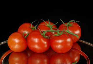 http://fotobabij.blogspot.com/2015/04/pomidor-zwyczajny-lycopersicon.html