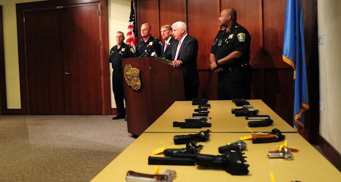 Dominicanos caen por drogas y armas en Operación Hanover de la policía de Boston
