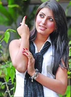আনিকা কাবির শখ বাংলাদেশি সেক্সী মডেল, Anika Kabir Shokh is one of the famous young sexy and hot Bangladeshi model