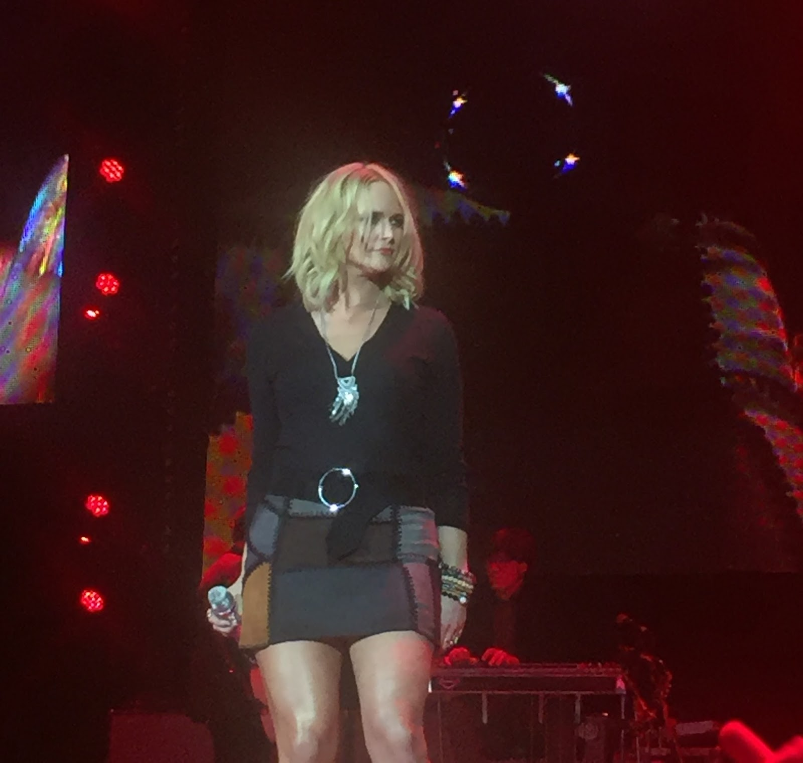 Three chords and the truth uk miranda lambert dwight yoakam any concerns for a lack of impartiality regarding this review were well and truly extinguished at 1048 pm on the friday of the fourth country to country hexwebz Gallery