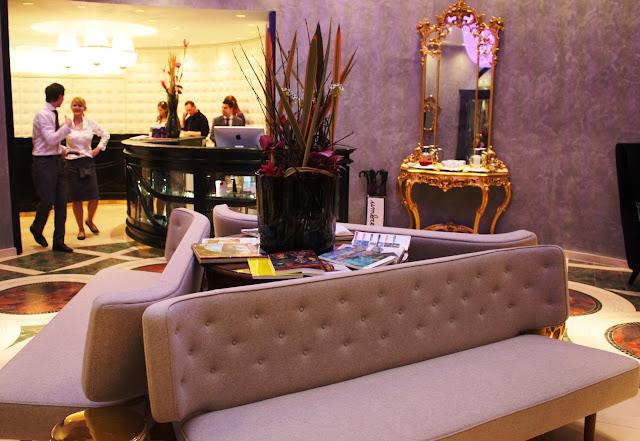 Die Rezeption des Hotels Sans Souci in Wien © Copyright Monika Fuchs, TravelWorldOnline