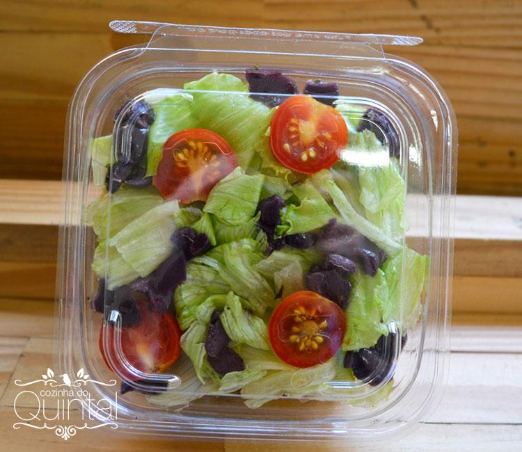 Veja o pote fechado, super transparente e lindo! Sua salada e seu cliente merecem!