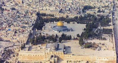 Los miembros de la Unesco (Organización de Naciones Unidas para la Educación, la Ciencia y la Cultura) aprobaron una resolución que ignora el vínculo histórico de la Explanada de las Mezquitas con el judaísmo.