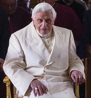 Pope Benedict xvi paralysed