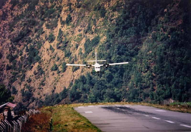 самые опасные аэропорты lukla