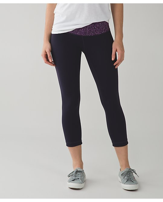 lululemon-black-grape-wunder-under-crops