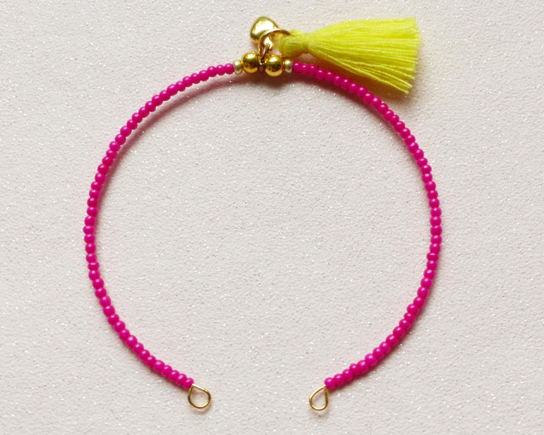 La perle des loisirs le blog diy 32 bracelets pour l 39 t by une fille frange - Pompon en laine forme coeur ...