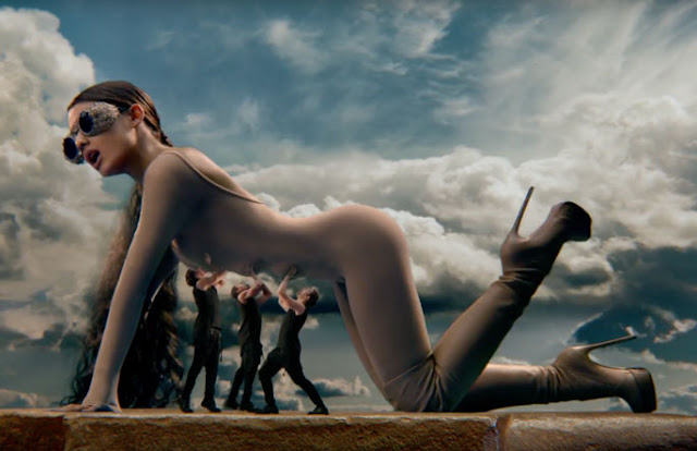 Video: Ariana Grande - God is a woman