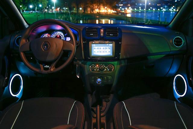 Renault Sandero Vibe - interior