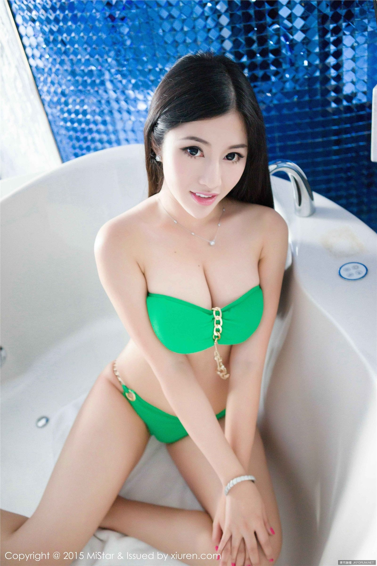 litu 100 archives: Busty Chinese Girl Tiffany Jia Jia 嘉嘉 Naked Massive Boobs Bikini Opened