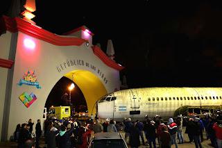 Llegó a la República de los Niños un avión que protagonizó la historia argentina