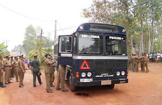 Shooting at prison bus kills seven in Kalutara