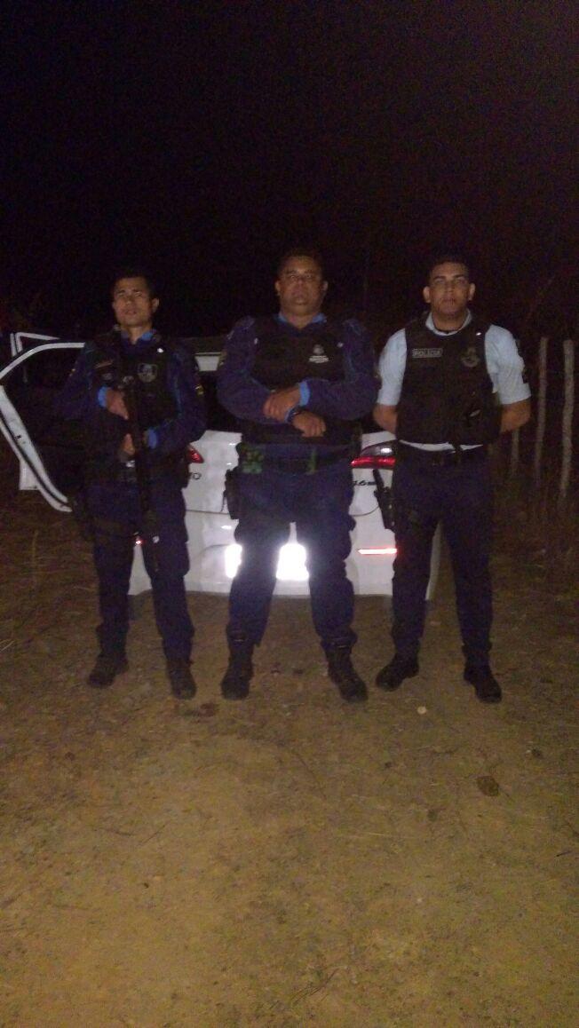 Policia Militar de Mucambo recupera carro roubado na cidade de Sobral