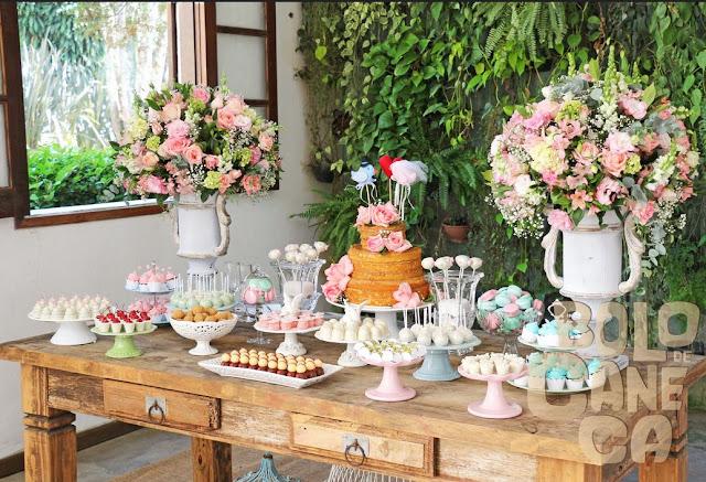 Présentoirs pour popcakes, idée de déco anniversaire fête