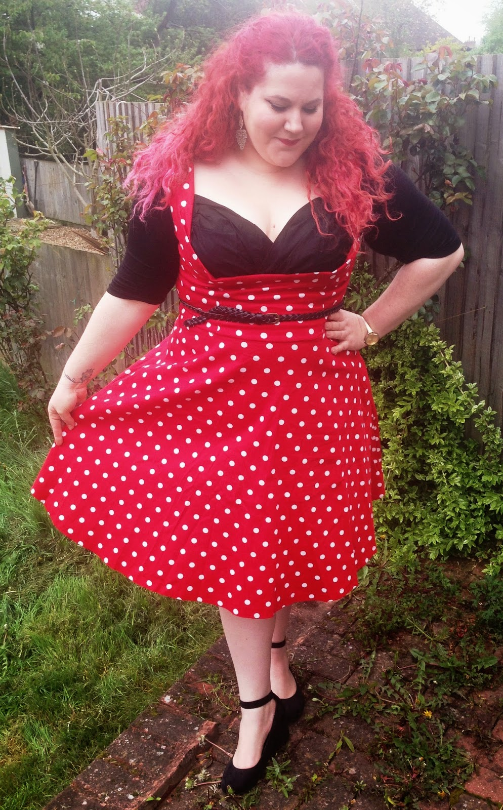 1ee6966f393 I ordered the Ophelia in my usual size 22 and it is a snug fit. I like how  fitted it is