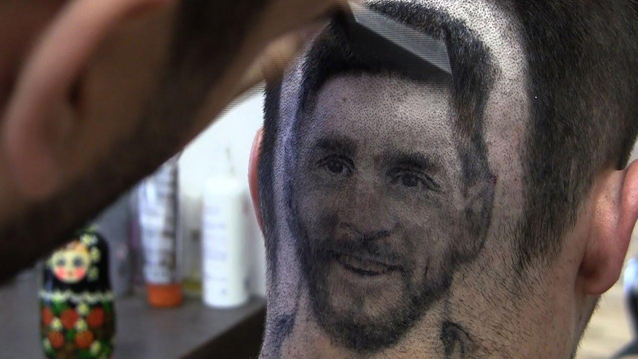 Menjelang Piala Dunia, Tukang Cukur Ini Bisa Buat Photo Pemain Idola Di Kepala