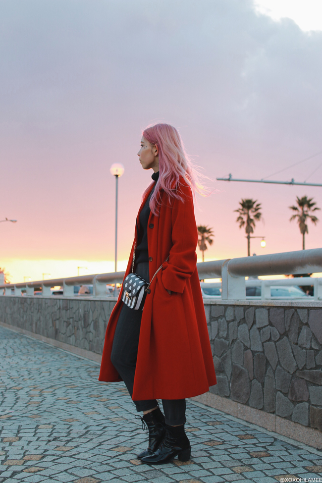 Japanese Fashion Blogger,MizuhoK,2018/01/01OOTD,Michael Kors=Red Coat,UNIQLO=turtle neck knit,GU=glen check pants,CHOIES=laceup boots,Rosegal=polkadot stripes crossbody
