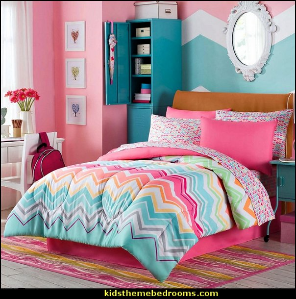 Happy Chevron Rainbow bedding