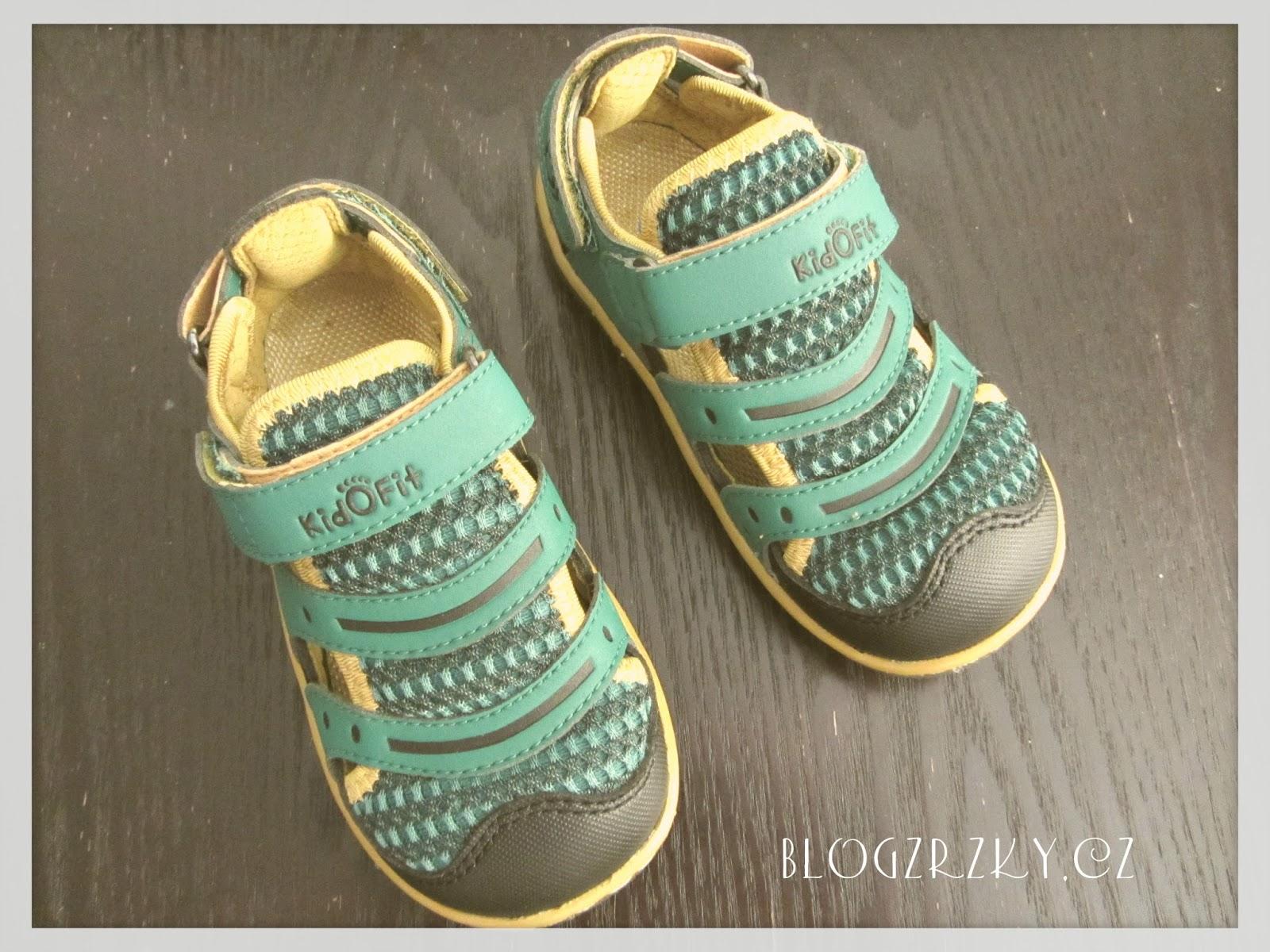 233841cd3957 Blog Zrzky  Barefoot   Letní sandále KidOFit