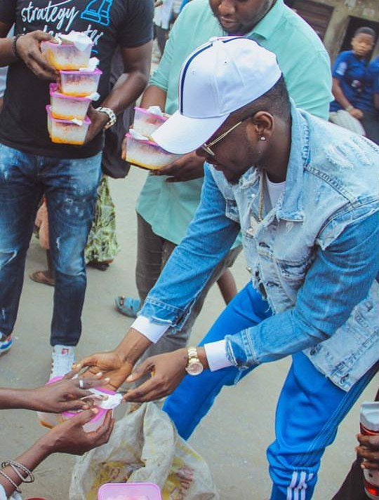 Photos: Sensational Singer Kiss Daniel Shows The World How Easter Should be Celebrated
