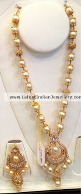Peacock Design Jewellery In Gold