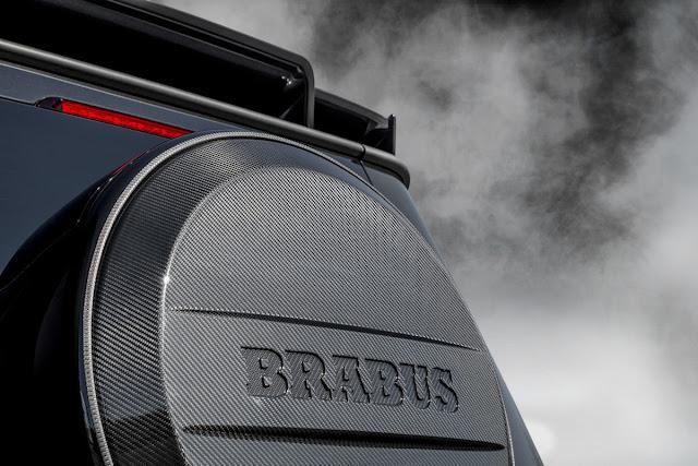 BRABUS 800 WIDESTAR スペアタイヤ
