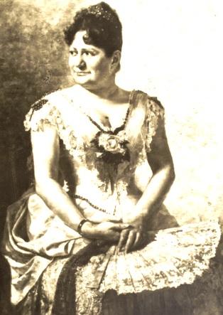 Imagen de Antonia Moreno de Cáceres en grises
