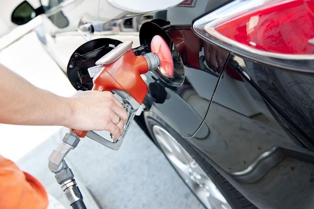 6 hábitos que fazem seu carro consumir mais combustível