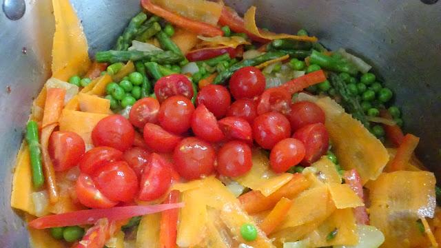 pasta-primavera-bowtie-farfalle-vegetarian-vegetables-asparagus-carrots-olive-oil-
