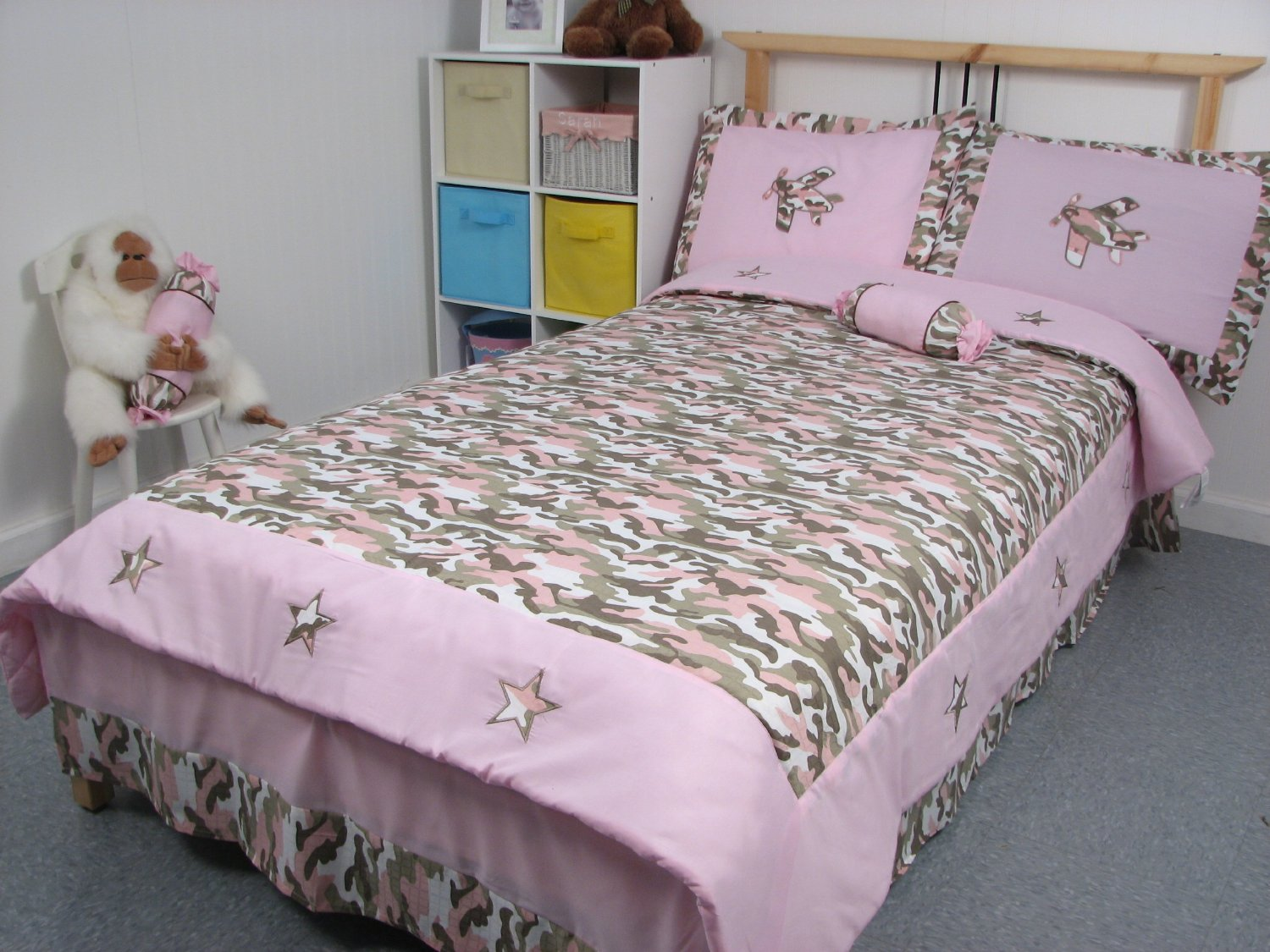 Pink Camo/Camouflage Comforters and Bedding for Girls & Teens