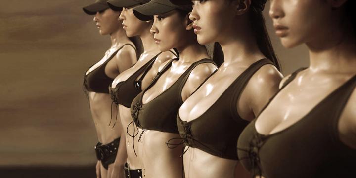 Vì sao đàn ông thích nhìn và sờ ngực phụ nữ