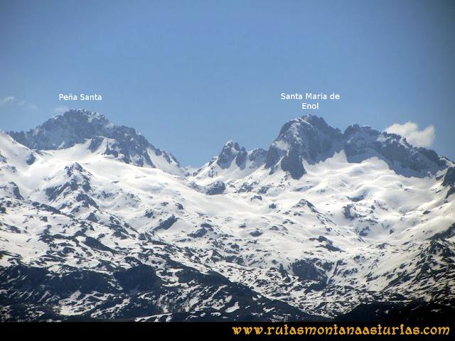 Ruta Ardisana, pico Hibeo: Vista de las Peña Santa y Enol