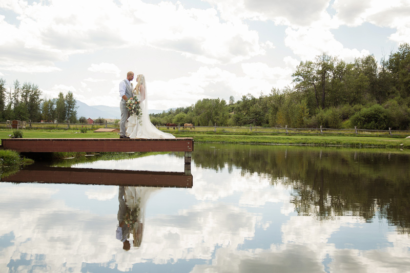 Montana Wildflower Gardens Wedding / Bouquet by Mac's Floral / Photography: Tracy Moore Photography